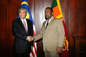 Visiting Malaysian deputy PM  meets  Minister Mangala Samaraweera