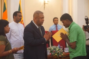 SL Government compensates  families of deceased migrant workers