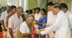 President distributes Rs.3000 assistance to Kidney Patients
