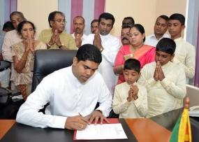 Deputy Minister of Mass Media Shantha Bandara assumes duties