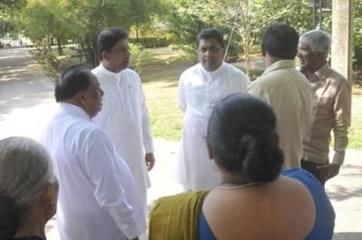 Minister observes land for 'Amaradewa Monastery'