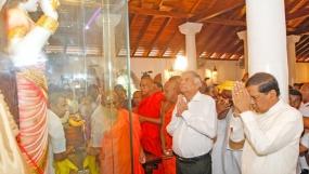 President unveils statue of Goddess Paththini at Nawagamuwa Devalaya