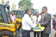 Garbage management compactors distributed to LG institutions