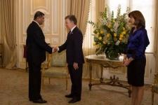 Ambassador Gen. Jagath Jayasuriya presents credentials