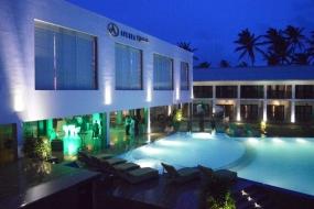 Minister Basil opens Hikkaduwa Avenra Beach Hotel