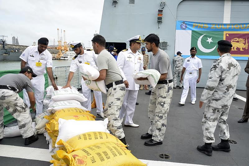 Pakisthan ship with relief goods arrive