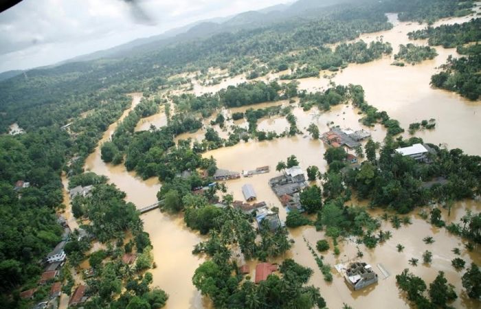 SLAF assists flood victims_5