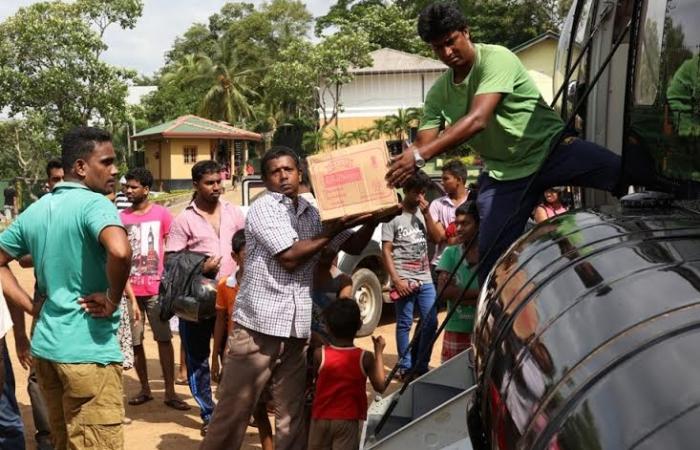 Donation Delivering & Unloading Rathmalana to Rathnapura & Ayagama_3