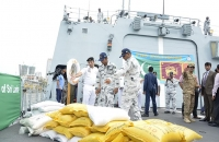 Pakisthan ship with relief goods arrive 2