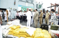 Pakisthan ship with relief goods arrive 3