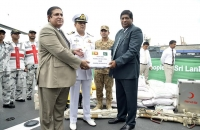 Pakisthan ship with relief goods arrive 5
