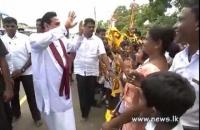 HE WITH SCHOOL CHIRDREN IN ROAD   SONG