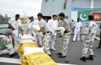 Pakisthan ship with relief goods arrive 1