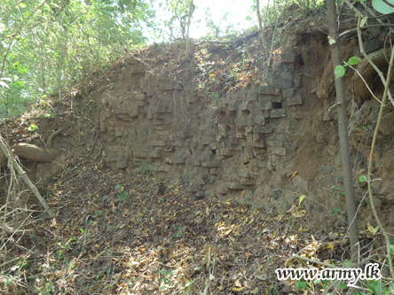 Archaeologists Find Buddhist Ruins in Kilinochchi 2