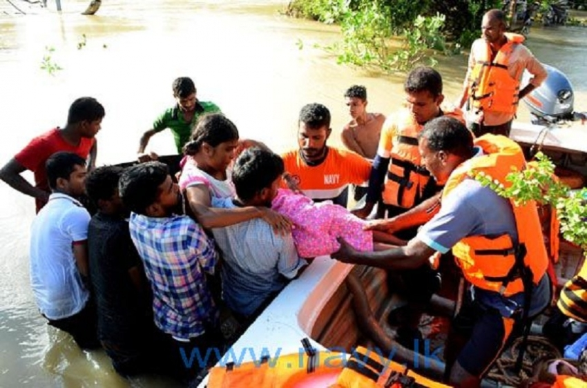 Navy  rescues flood victims in Northern Province