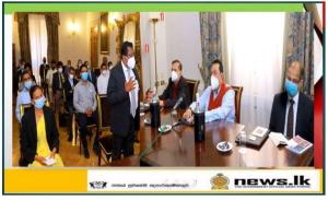, Sri Lankans Gathered to meet the Prime Minister Mahinda Rajapaksa in Italy,