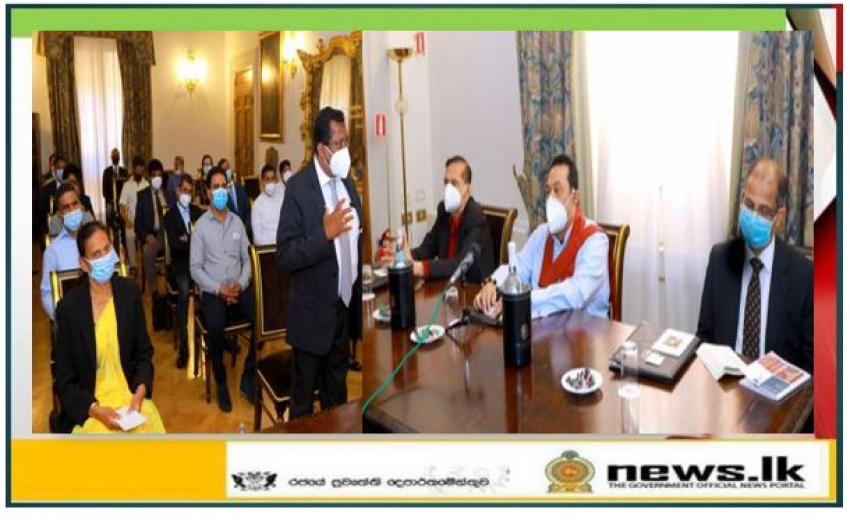 Sri Lankans Gathered to meet the Prime Minister Mahinda Rajapaksa in Italy