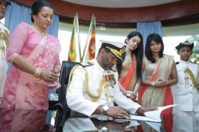 New Navy Commander Assumes Duties