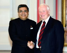 New Sri Lankan Envoy Presents Credentials in Canada