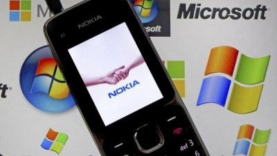 Microsoft and Nokia complete mobile phone unit deal