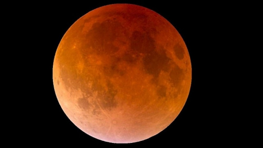 Partial Lunar Eclipse on full moon Poya Day