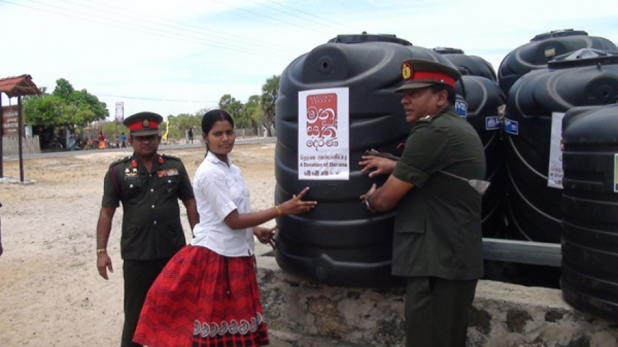 "Army & ""Derana""  Distribute Water Tanks to Drought-Affected Villages in Jaffna"