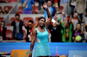 Serena Williams Makes Winning Start to WTA Finals in Singapore