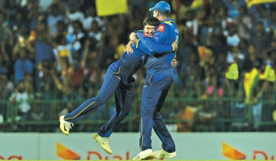 Sri Lanka wins by three wickets in tight chase