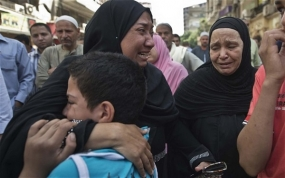 Egypt sentences 683 Islamists to death in mass trial