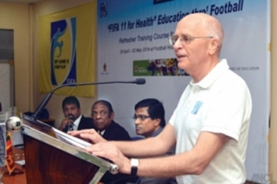 FIFA 11 for Health, refresher course for instructors concludes