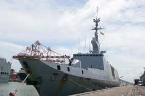 Two French naval ships arrive at Colombo harbour