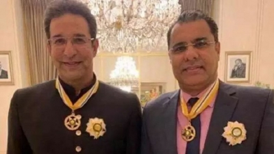 Wasim Akram, Waqar Younis receive Pakistan's second highest-civilian award