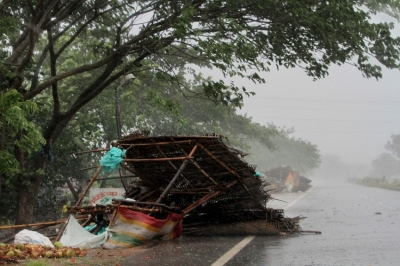 Cyclone Fani slams into temple town Puri, Bangladesh braces with evacuation order