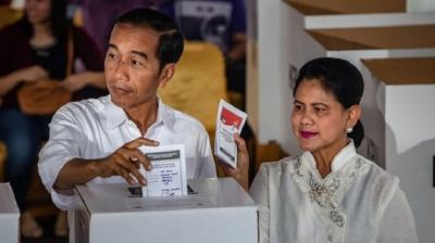 Indonesia president leads race