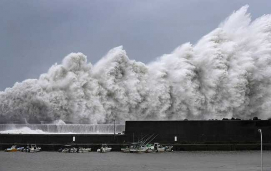 Typhoon Jebi, makes landfall, threatening heavy rains and violent winds in Japan