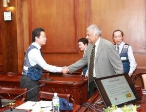 Japanese experts meet PM