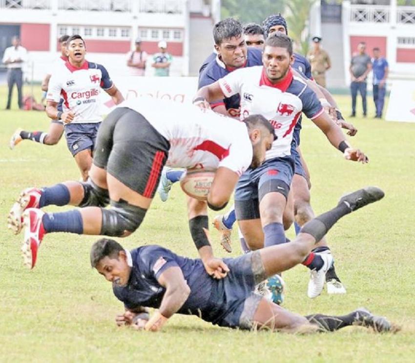 Kandy escape Police pursuit