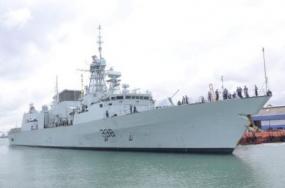 'HMCS Winnipeg' arrives at Port of Colombo