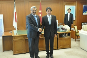 Defence Secretary  Visits Monorail Projects in Japan