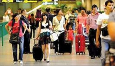 Tourist arrivals up by 4.7 % in March