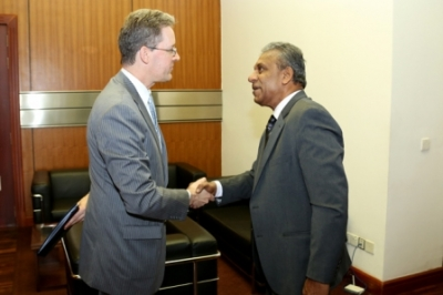 US Chargé d' Affaires meets Secretary