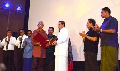Veteran film director Dharmasena Pathiraja felicitated
