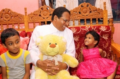 President meets kid friend