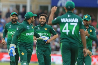 Pakistan beat England by 14 runs