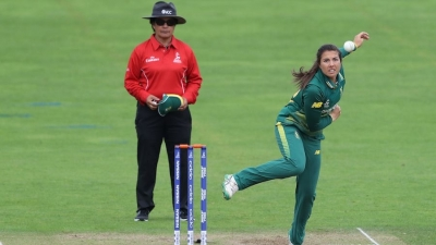 Sune Luus five-for lifts South Africa to thrilling series win