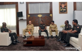 Pakistan Army Team meets Commander