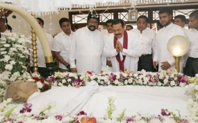 President pays last respects to S.D.Bandaranayake