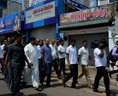 Acting Defence Minister Ruwan Wijewardene inspected the security conditions in Minuwangoda