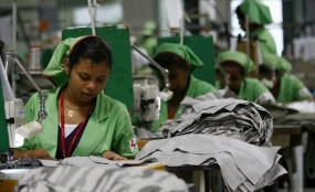 Sri Lanka to achieve apparel export target of  US$10bn by 2016