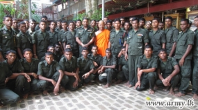Tamil recruits  in Mullaittivu on a familiarization tour in Colombo